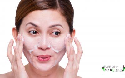Lo último en belleza se llama doble limpieza facial